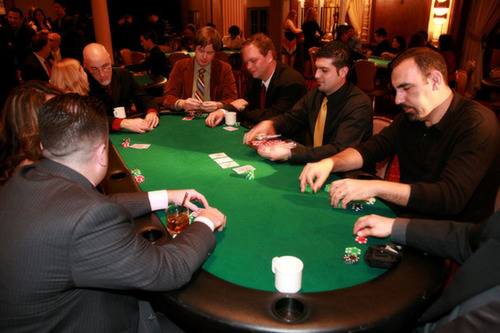 Thursday Night Poker At Washington Elite